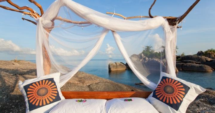 Enchanting Travels:   Schlafen unter freiem Himmel – die schönsten Sternbetten in Afrika