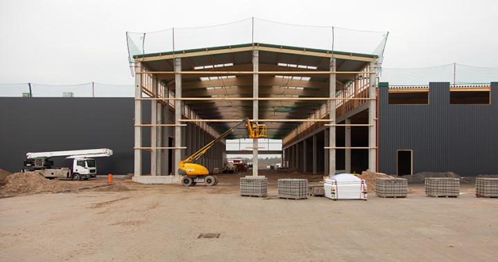 Arbeitsbühnen für Logistikzentrum