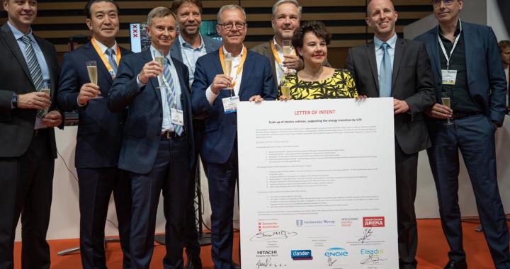 NewMotion und Amsterdam fördern E-Mobilität durch V2X-Technologie