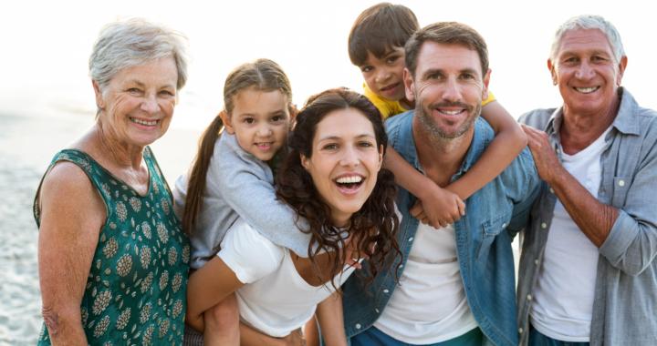 Mehr Geld für Eltern und Rentner