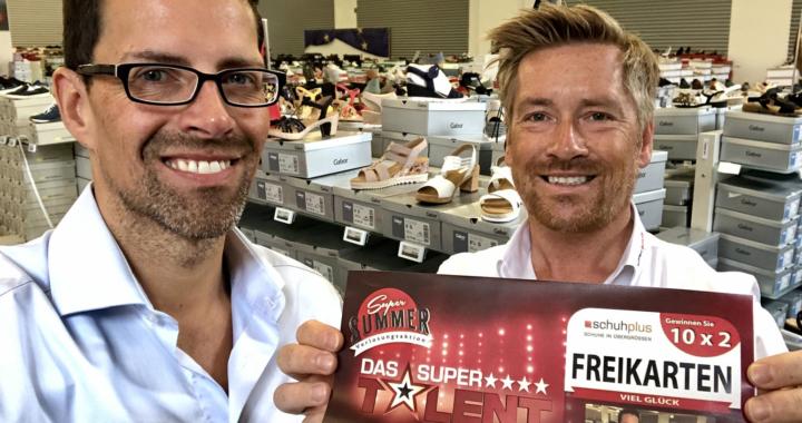 Schuhplus – Schuhe in Übergrößen verlost 10 x 2 Eintrittskarten für das Supertalent