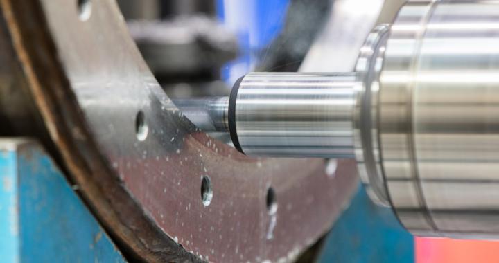Große Bauteile mit Kreuzbettbohr- und Fräswerk WFT 13 CNC bearbeiten