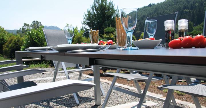 Der Sommertipp: Die richtigen Gartenmöbel für Sommer-Wochenenden