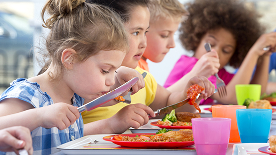 Gesetz zum Mittagessen an Schulen: Sodexo begrüßt kostenfreies Schulessen