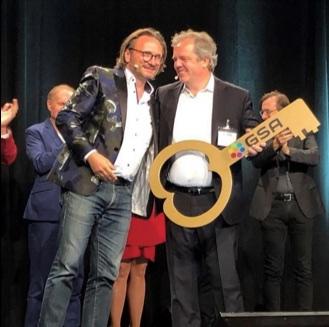 Schlüsselübergabe in Frankfurt: Prof. Dr. Volker Römermann ist neuer Präsident der German Speakers Association