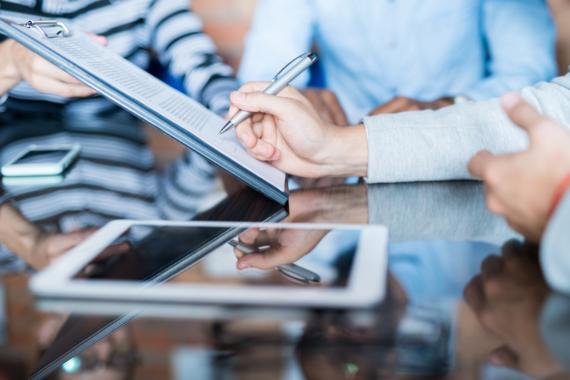 Kooperation zur digitalen Vertragserstellung:  RECHNUNG.de launcht Vertragsgenerator mit internationalem LegalTech