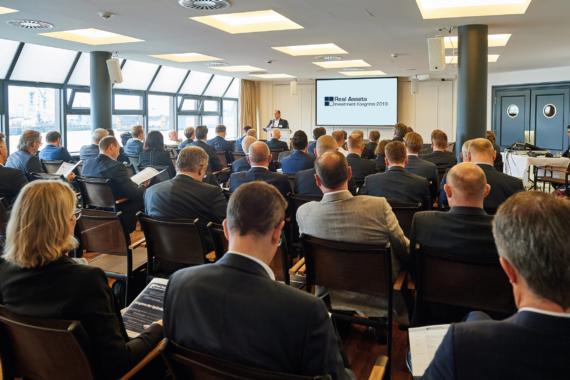Erster Real Assets Investment Kongress brachte die private Kapitalanlage- und Sachwertbranche in Hamburg zusammen