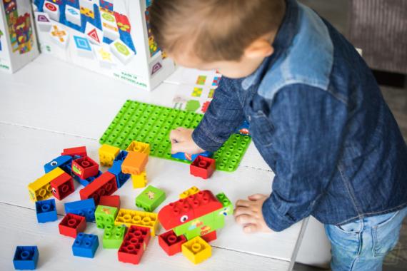 BiOBUDDi, die nachhaltige Spielzeugalternative