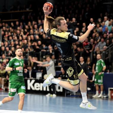 Handball: Ausverkaufte ARENA beflügelt Erlangen zum Sieg gegen die Füchse
