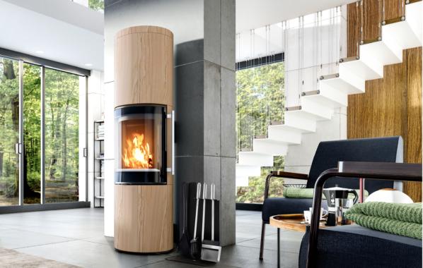 Eine runde Sache: Design-Kaminofen inszeniert die Magie der Flammen