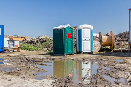 Toilettenwagen / WC-Wagen für Veranstaltungen – mieten oder kaufen?
