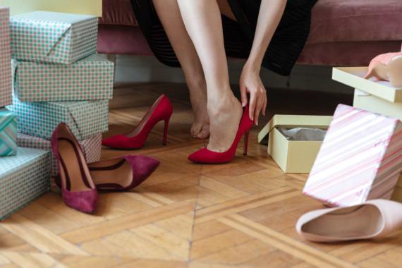 Große Auswahl an Damenschuhen in Größe 44 bei schuhplus im Saterland