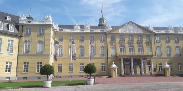 Anwalt für Arbeitsrecht in Karlsruhe: Was tun bei Abmahnung?