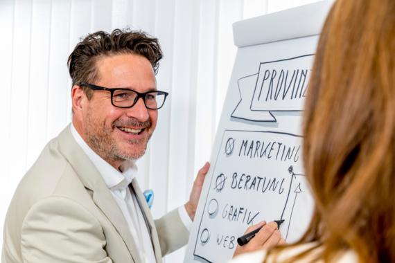Provinzglück entwickelt Online-Plattform für digitalen Unterricht