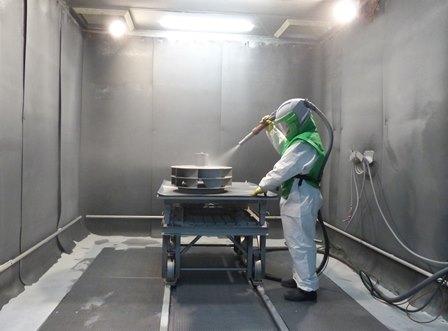 Lahmlegen oder loslegen? Industrieunternehmen nutzen Stillstand für Reinigung und Renovierung