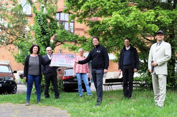 Managerbund Reutlingen unterstuetzt die Reutlinger Tafel – 5.000 Euro Spende