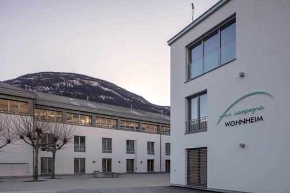 Mehr Lebensqualität durch Barrierefreiheit: Wohnheim Fux Campagna setzt auf GEZE Türsysteme