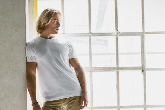 Egal welche Größe: Ein T-Shirt das Männer zu Helden macht