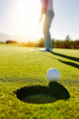 Virenfrei und gesundheitsfreundlich golfen: Mit Naturdesinfektion von Solenal