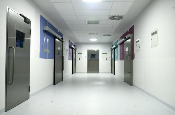 Technik für höchste Hygieneansprüche: GEZE im Children's Memorial Health Institute Warschau