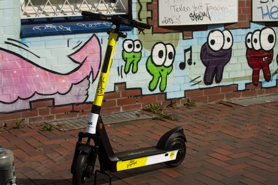 E-Scooter Marke hive jetzt mit Special-Design Edition