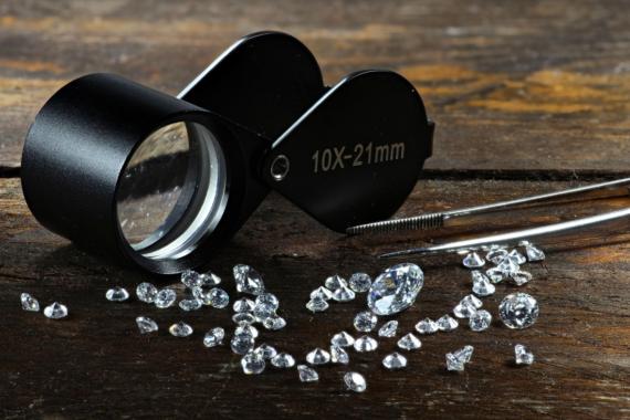 Warum Sie jetzt ungebundene Diamanten kaufen sollten