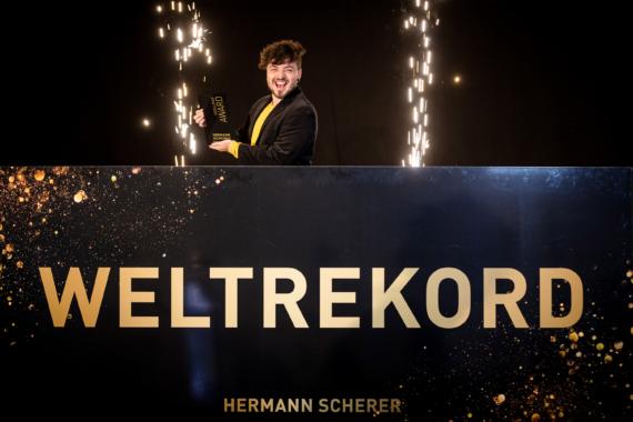 Weltrekord in Berlin: Enrico Fricke bringt das Feuer zurück