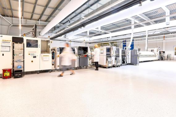 Orange unterstützt die LACROIX Group bei den Vorbereitungen für die Umstellung ihrer Industrie 4.0 Produktionsanlage auf 5G