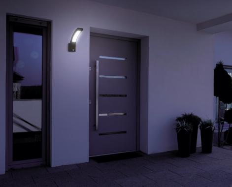 Lunartec LED-Außen-Wandleuchte mit PIR-Bewegungssensor