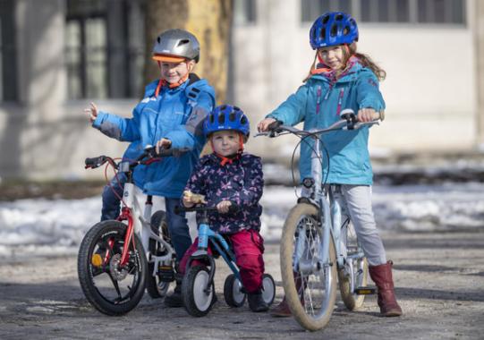 Zehn Kinder- und Jugendräder für Weihnachten