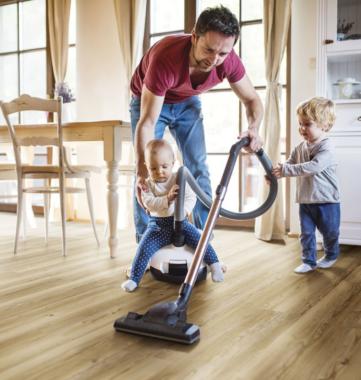 Mit dem richtigen Bodenbelag im Wohnzimmer wohlfühlen